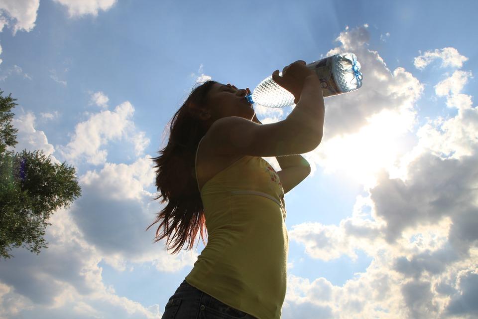dia-de-pla-imprescindibles-casaymantel-agua-potable