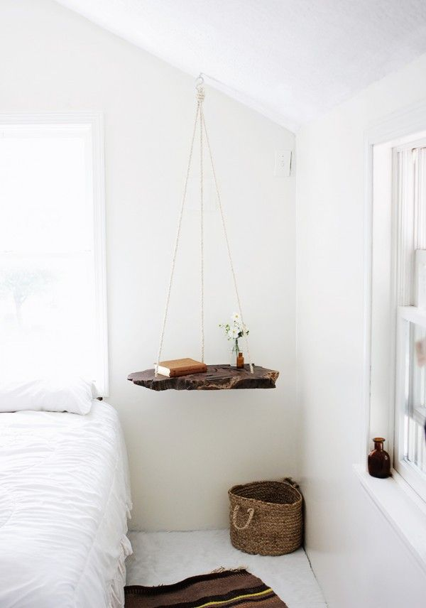 muebles-colgantes-casaymantel-mesita-cama