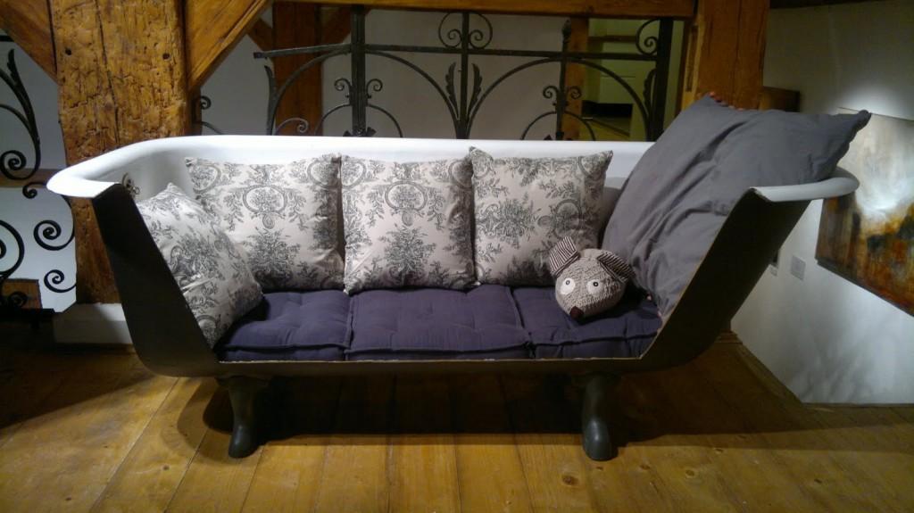 sofa-original-banera-ingenioso-decoracion-casaymantel