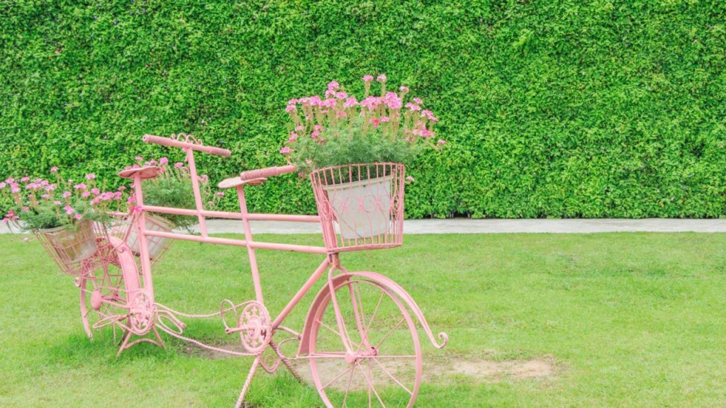 decorar-reutilizar-bibicletas-jardin-casaymantel  (2)