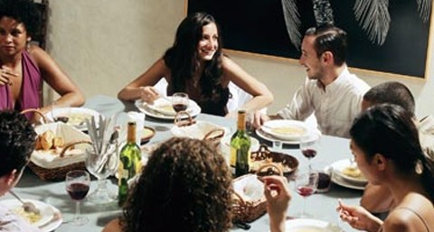 organizar cena con amigos manteles antimanchas